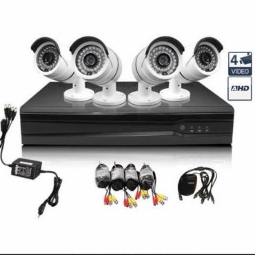 4 db Wifi Full HD Biztonsági Kamera + Vezérlők�...